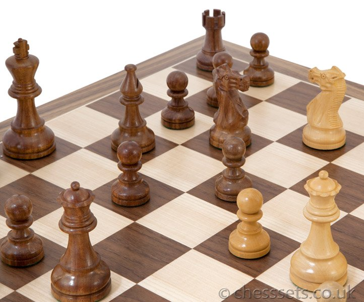 American Sheesham and Walnut Chess set - Click Image to Close