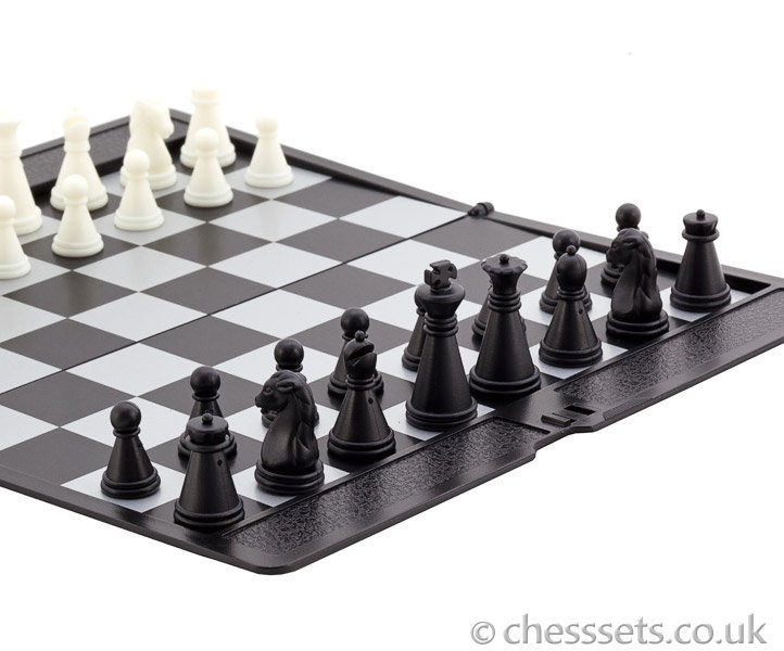 Magnetic Slim line Travel Chess Set - Click Image to Close