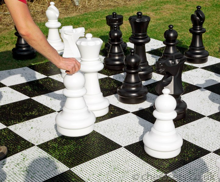 Giant Garden Chess Set - Click Image to Close
