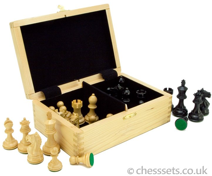 Fierce Knight Ebonised Staunton Chess Pieces Including Case - Click Image to Close