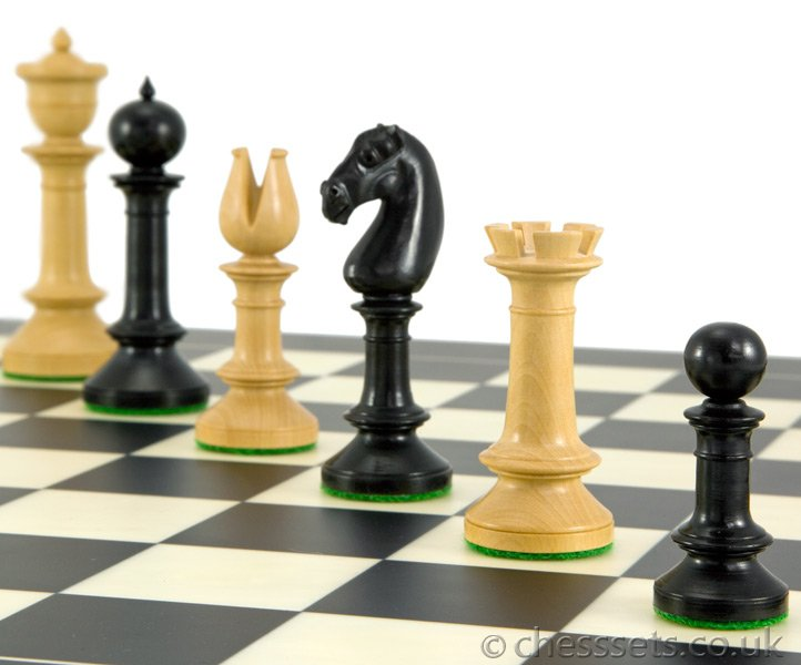 Northern Upright Ebony & Boxwood Chess Pieces - Click Image to Close