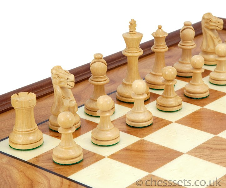 Supreme Windsor Ebony & Briarwood Traditional Chess Set - Click Image to Close