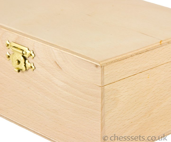 Birch Wood Chess Piece Case - Click Image to Close