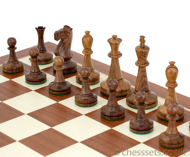 Blackmore Sheesham & Mahogany Chess Set - Click Image to Close