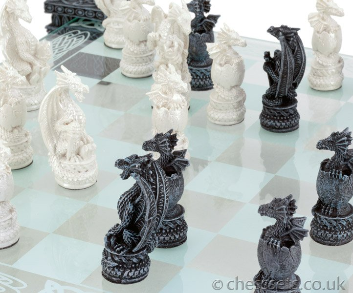Dragon Glass Chess Set - Click Image to Close