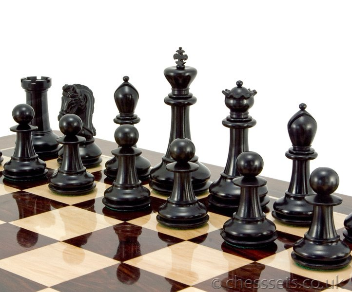 Monarch Series Ebony and Boxwood Staunton Chess Pieces - Click Image to Close