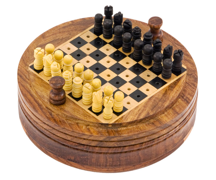 Round Sheesham Pegged Travel Chess Set