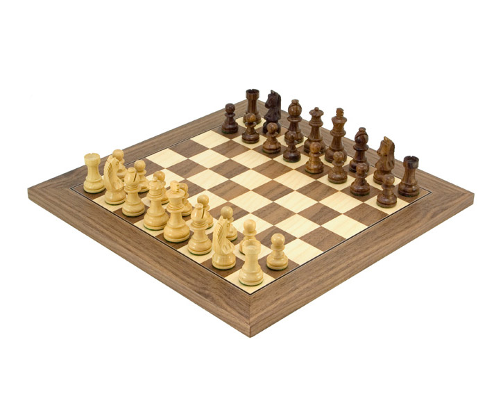 Down Head Classic Walnut Deluxe Chess Set